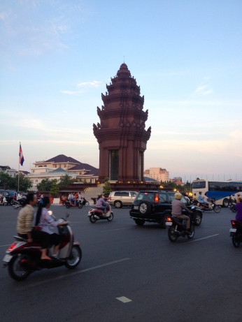 The independence monument in Phenom Penh